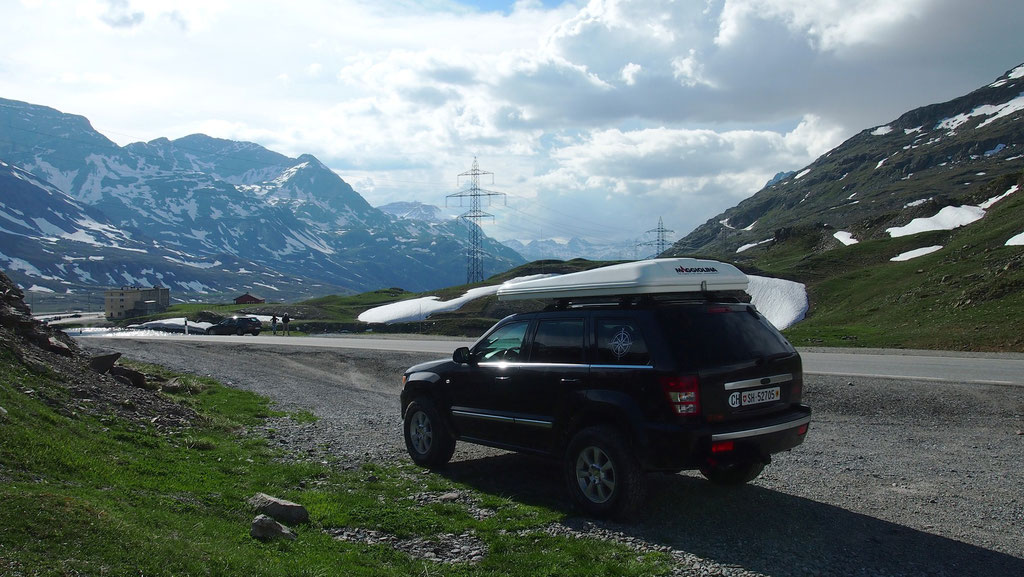 Jeep Grand cherokee 3.0 crd WH WH overland expedition offroad Dachzelt Alpen wolf78-overland.ch