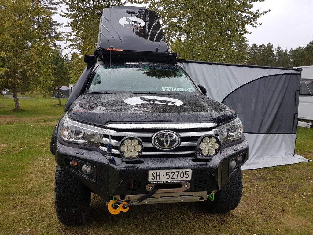 Toyota Hilux Dachzelt overland Travel Camping #ProjektBlackwolf Schweden Skandinavien wolf78  explore without no limits roadtrip offroad Overlandingnomads Dachzeltnomaden wolf78-overland.ch