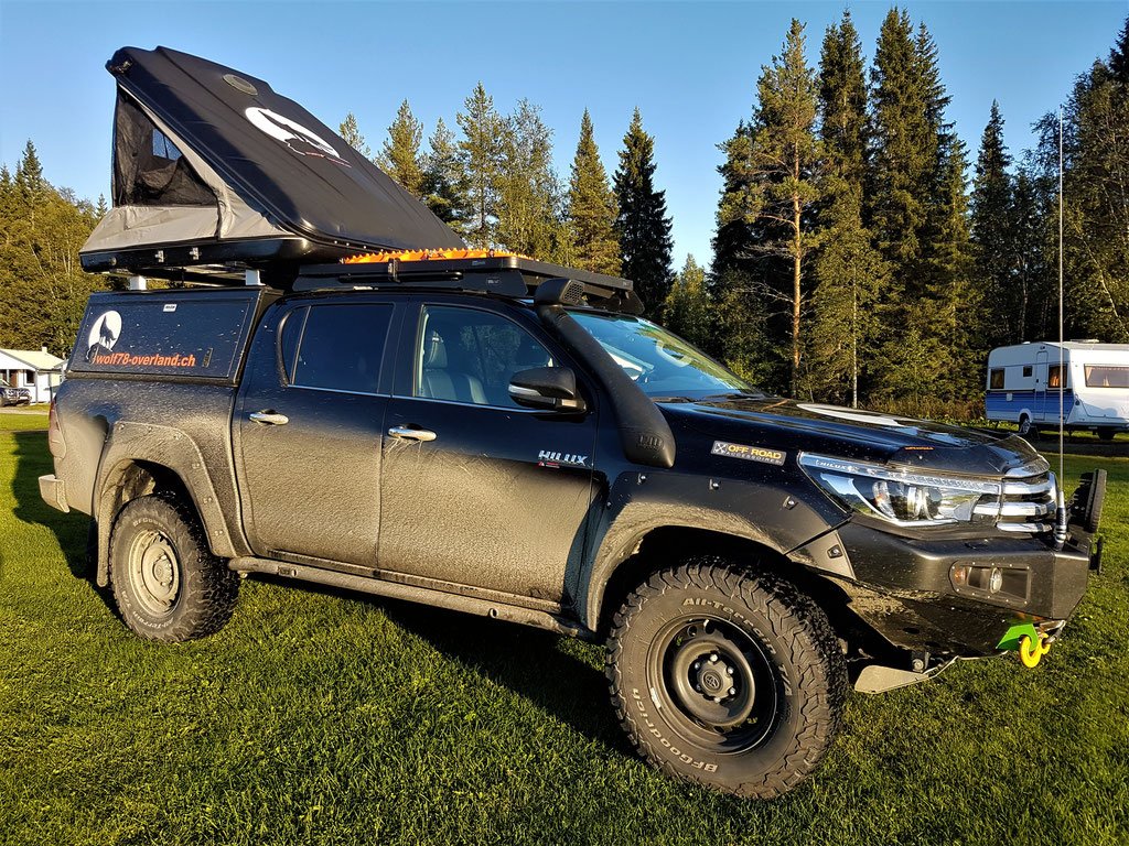 Toyota Hilux overland Travel Camping #ProjektBlackwolf Schweden Skandinavien wolf78  explore without no limits roadtrip offroad Overlandingnomads Dachzeltnomaden wolf78-overland.ch