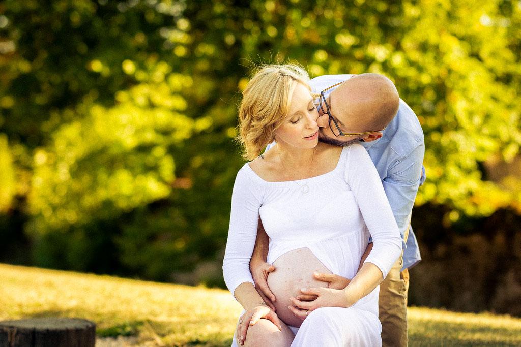 Couple amoureux attendant bébé