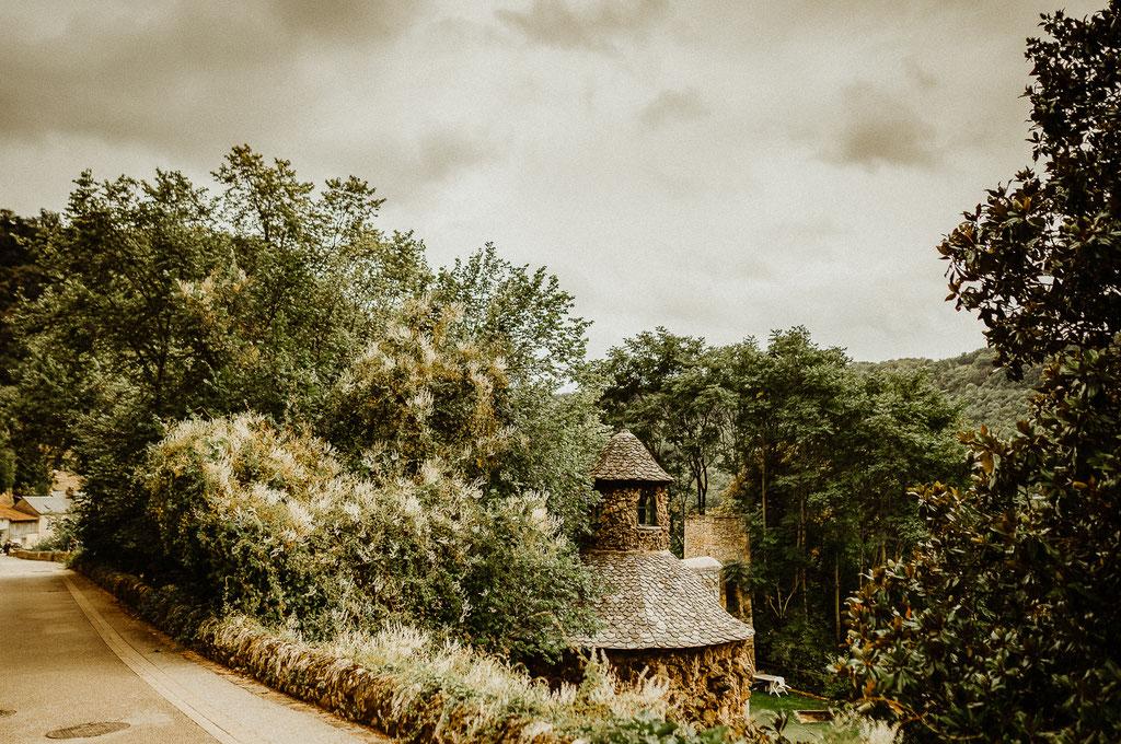 Vue sur le village de Salles-la-source (12)