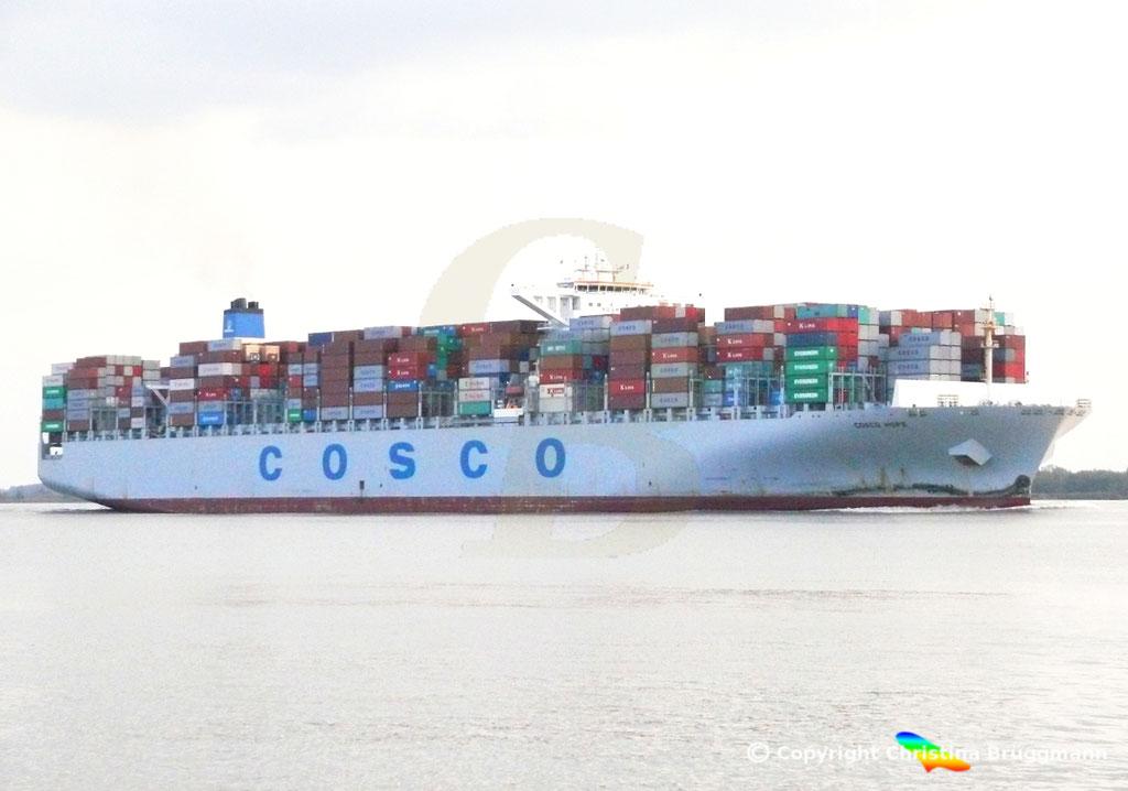 "Containerschiff ""COSCO HOPE""Elbe 07.2013, BILD 4"