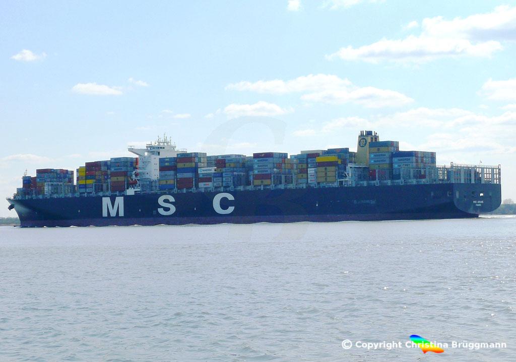 """Containerschiff """"MSC ARIANE""""  Elbe 18.04.2015 / BILD 5"""