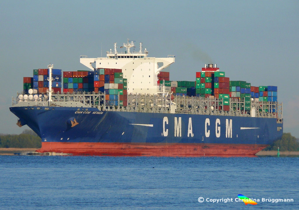 Containerschiff CMA CGM NEVADA, Elbe 19.04.2017, BILD 1
