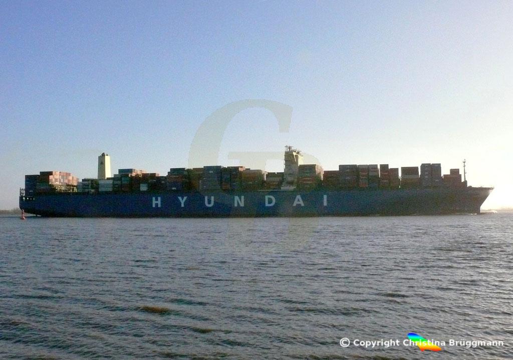 "Containerschiff  ""HYUNDAI SMART""  Elbe  09.02.2015, BILD 5"