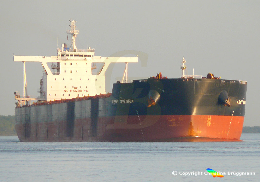 Bulk Carrier ABOY SIENNA, Elbe 17.09.2018, Bild 2