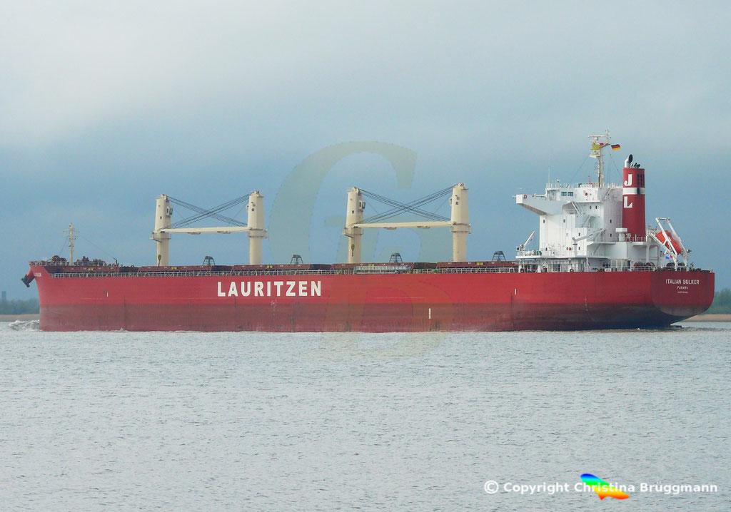 Bulk Carrier ITALIAN BULKER, Elbe 13.04.2019,  BILD 7