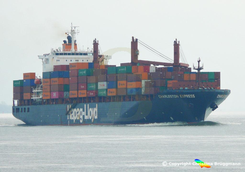 Containerschiff CHARLESTON EXPRESS, Elbe 04.04.2019,  BILD 1