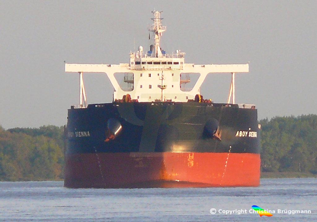 Bulk Carrier ABOY SIENNA, Elbe 17.09.2018, Bild 1