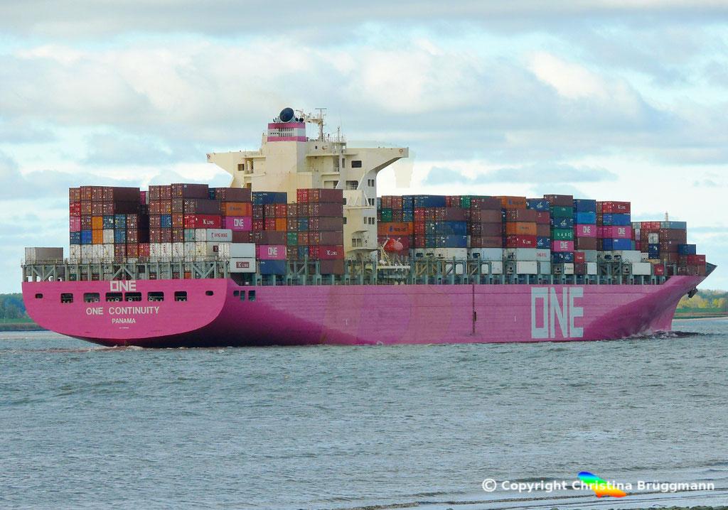 Containerschiff ONE CONTINUITY, Elbe 27.10.2018,  BILD 4