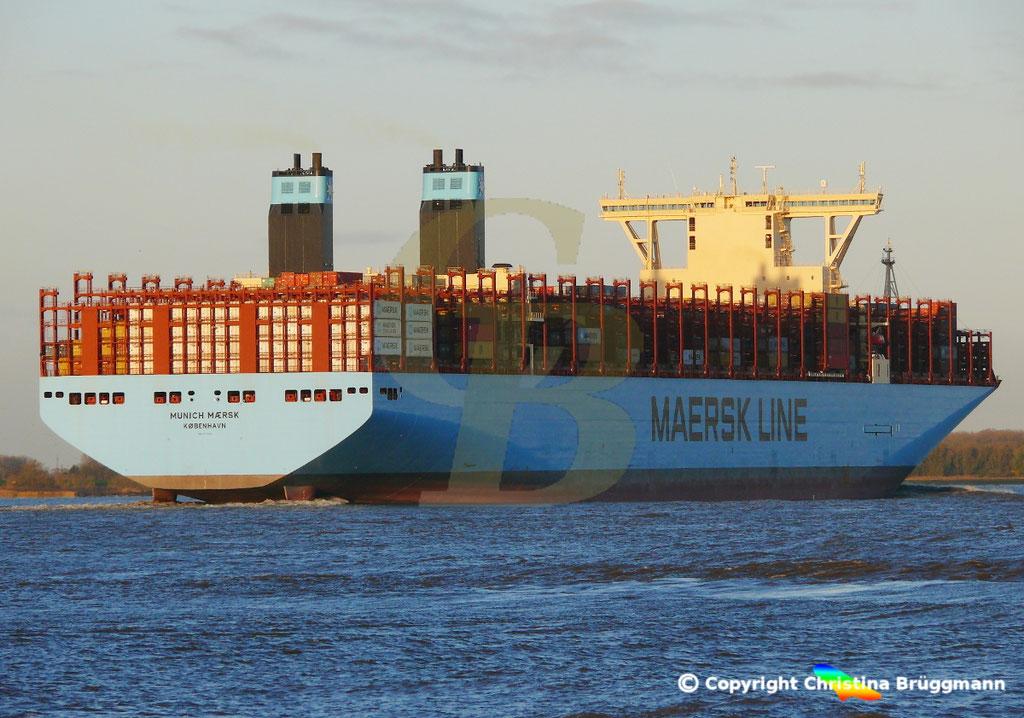 Containerschiff MUNICH MAERSK, Elbe 30.10.2017, BILD 6