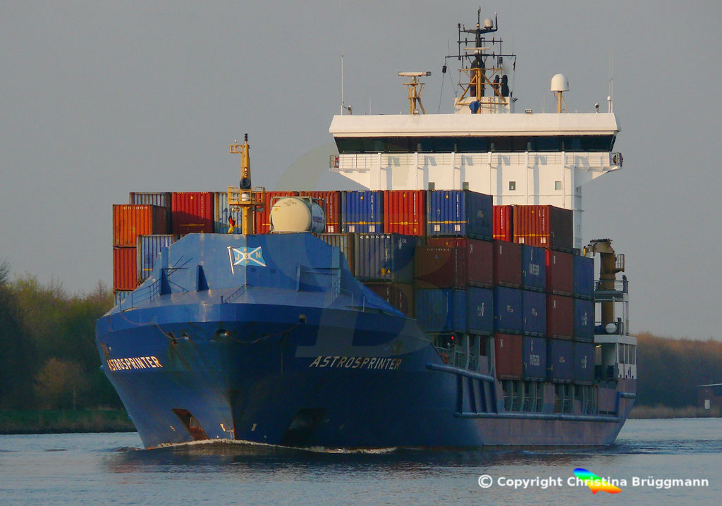 Containerschiff ASTROSPRINTER, NOK 07.04.2019,  BILD 1