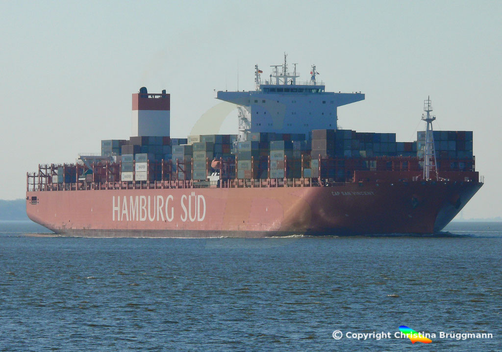 Hamburg Süd Containerschiff CAP SAN VINCENT, Elbe 17.04.2019,  BILD 2