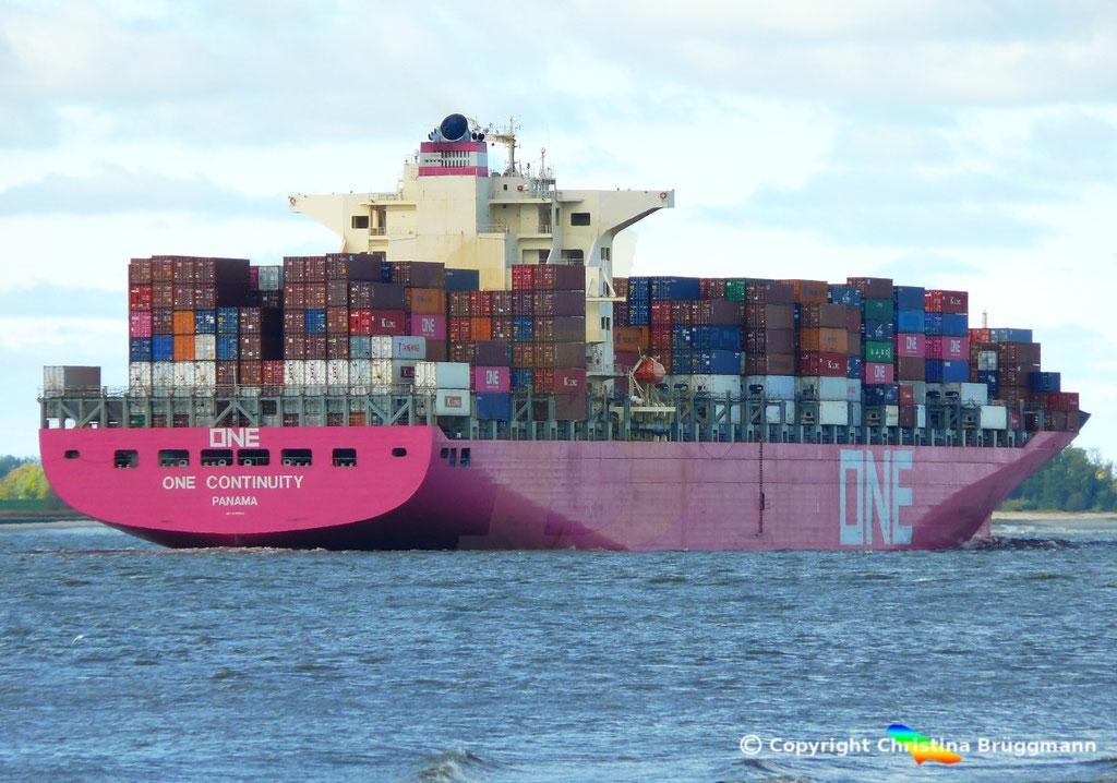 Containerschiff ONE CONTINUITY, Elbe 27.10.2018,  BILD 5
