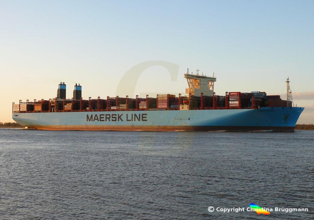 Containerschiff MUNICH MAERSK, Elbe 30.10.2017, BILD 3