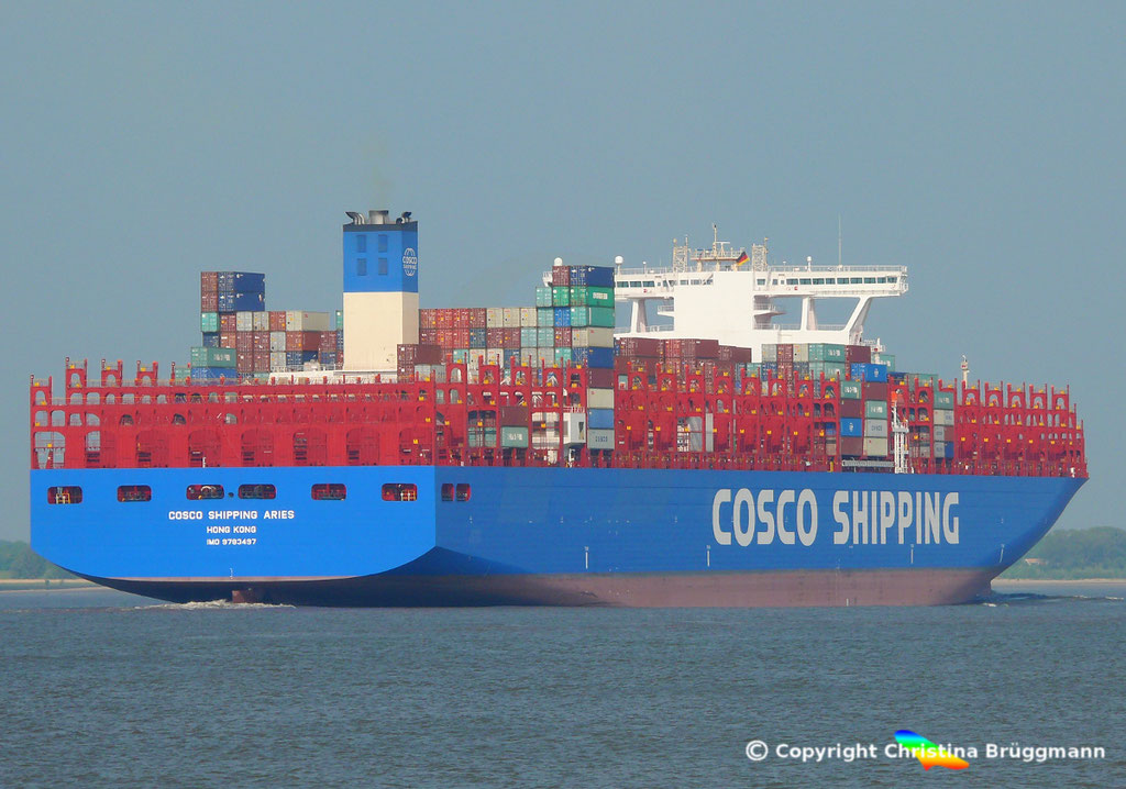 Containerschiff COSCO SHIPPING ARIES, Elbe 15.05.2018, BILD 6