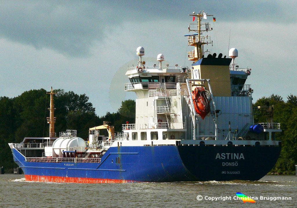 Öl- u. Chemietanker ASTINA, Nord-Ostsee Kanal25.09.2018,  BILD 6