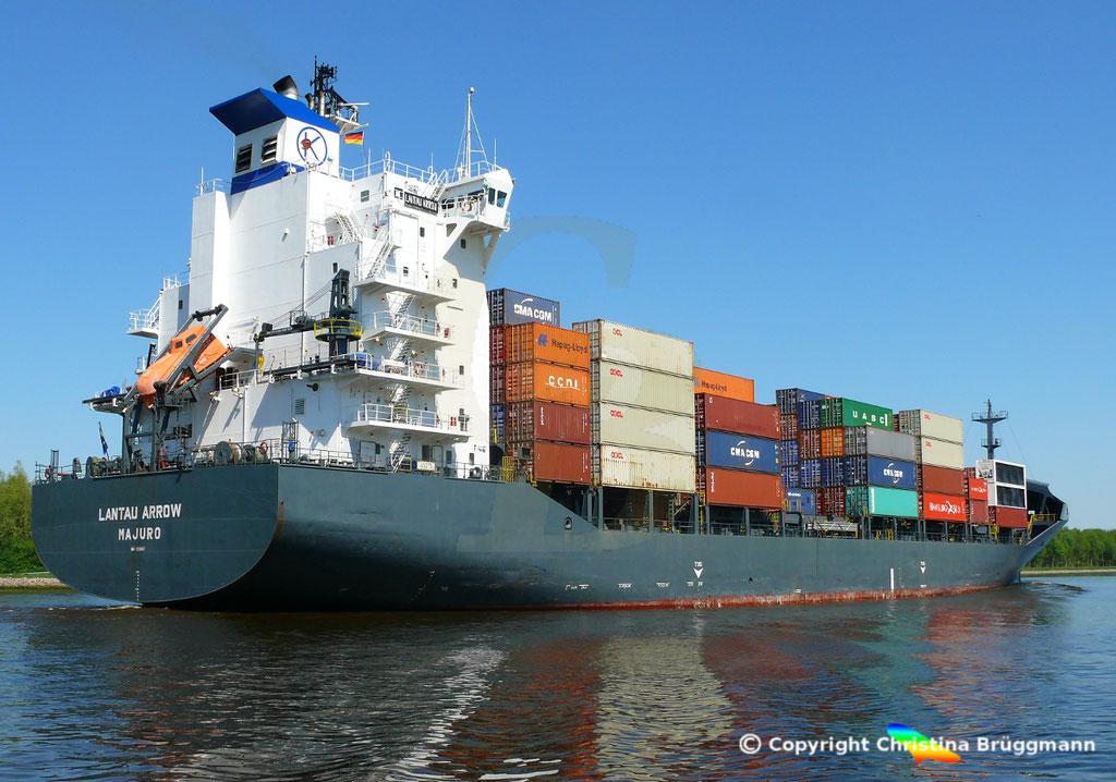 Containerschiff LANTAU ARROW, Nord-Ostsee Kanal 09.05.2018,  BILD 4