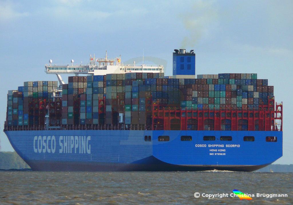 Containerschiff COSCO SHIPPING SCORPIO, Elbe 28.09.2018, BILD 6