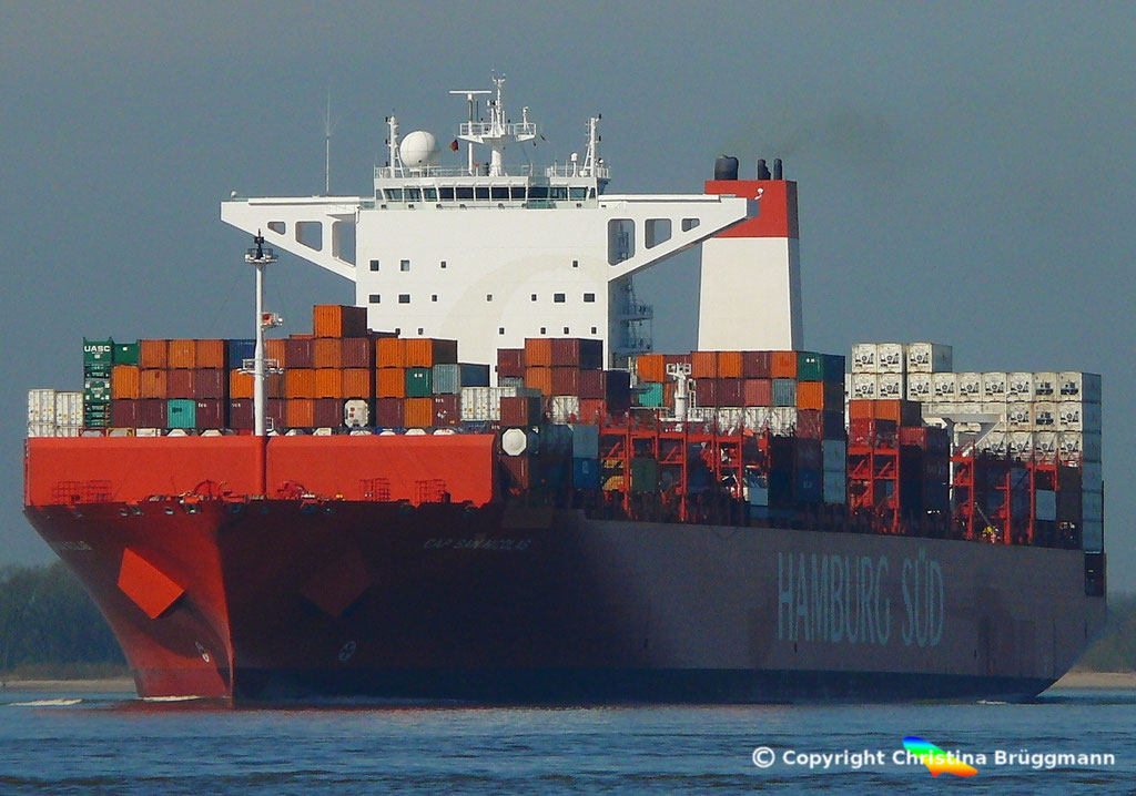 Containerschiff CAP SAN NICOLAS, Elbe 27.03.2017, Bild 1