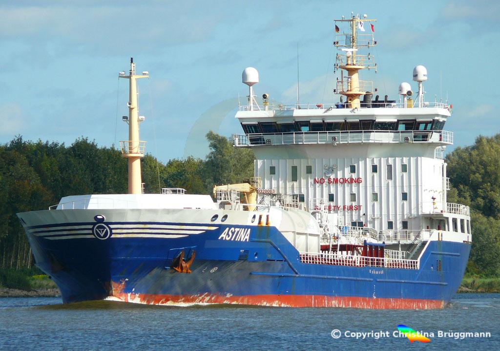 Öl- u. Chemietanker ASTINA, Nord-Ostsee Kanal25.09.2018,  BILD 1