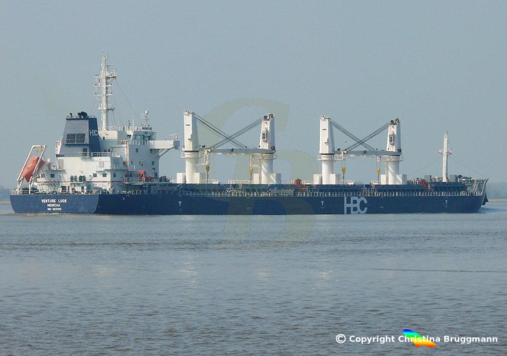 HBC Bulk Carrier VENTURE LUCK, Elbe 30.03.2019,  BILD 7