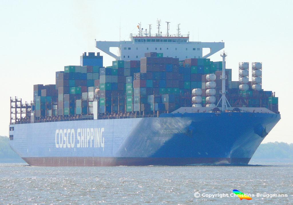 Containerschiff CSCL URANUS, Elbe 11.05.2017, BILD 1