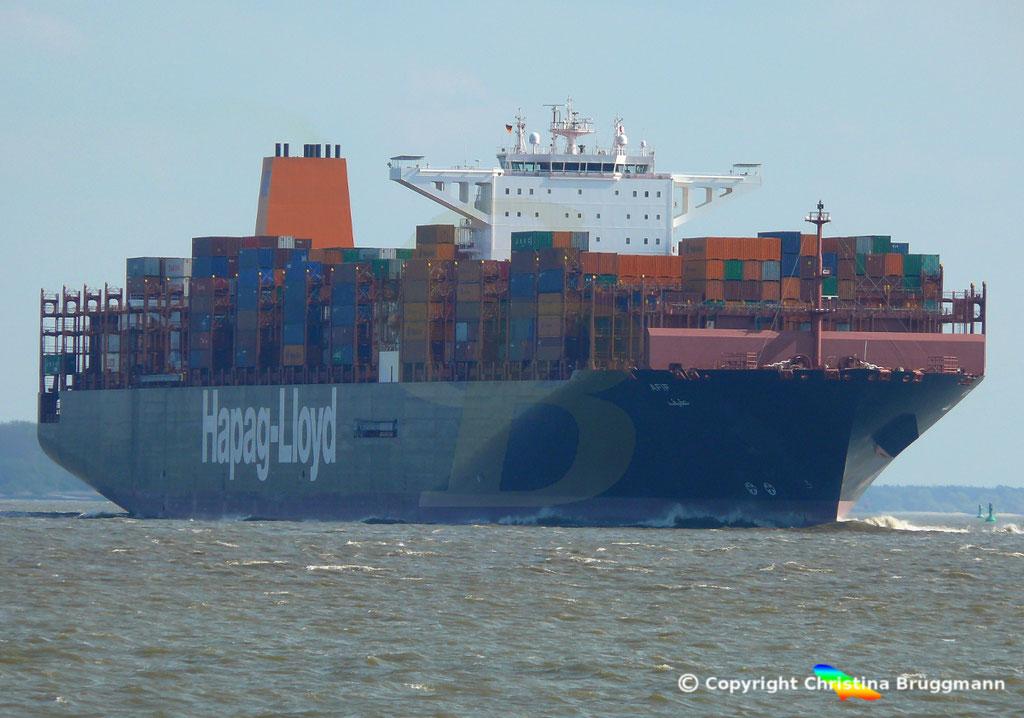Containerschiff AFIF, Elbe 23.04.2018,  BILD 1
