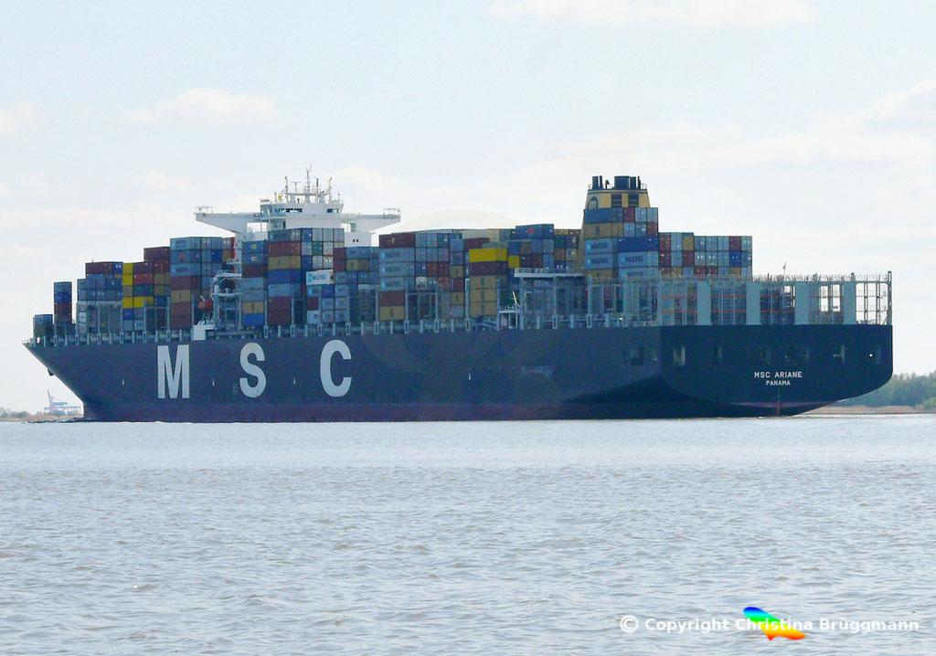 """Containerschiff """"MSC ARIANE""""  Elbe 18.04.2015 / BILD 6"""