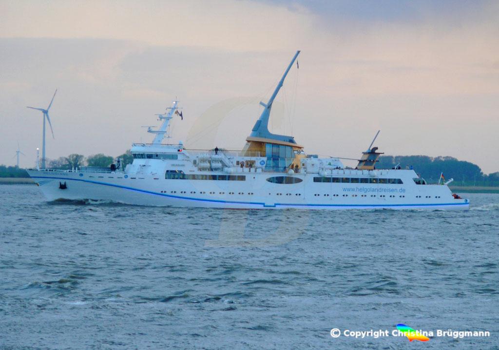 Seebäderschiff HELGOLAND, Elbe 05.05.2019 / BILD 2