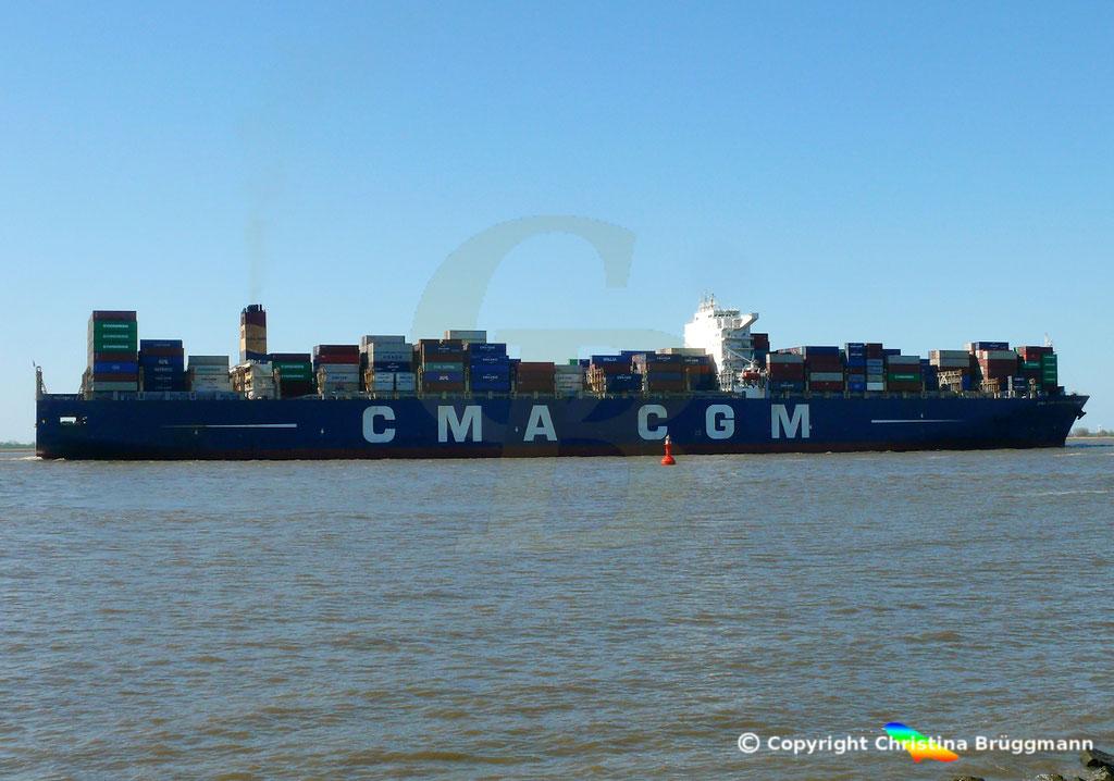 Containertschiff CMA CGM CHRISTOPHE COLOMB, Elbe 01.04.2019,  BILD 2