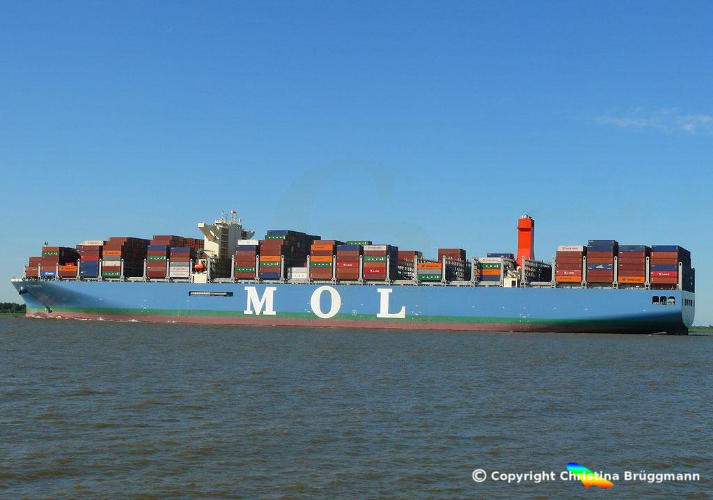 Containerschiff MOL TRIBUTE, Elbe 06.06.2018, BILD 4