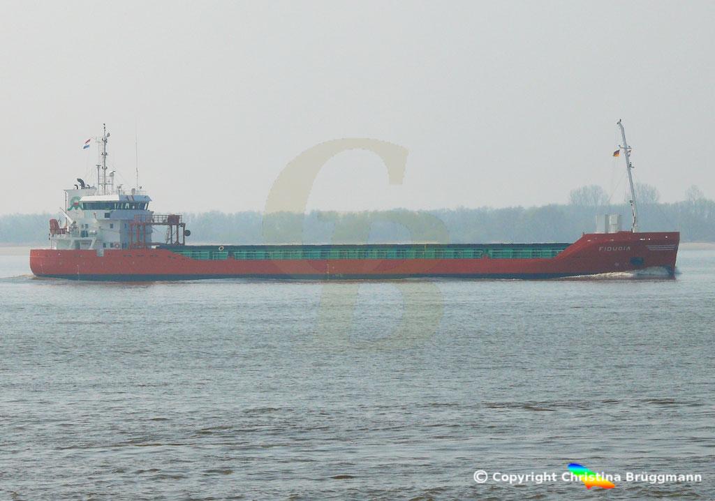 Genral Cargo Schiff FIDUCIA, Elbe 06.04.2019,  BILD 1