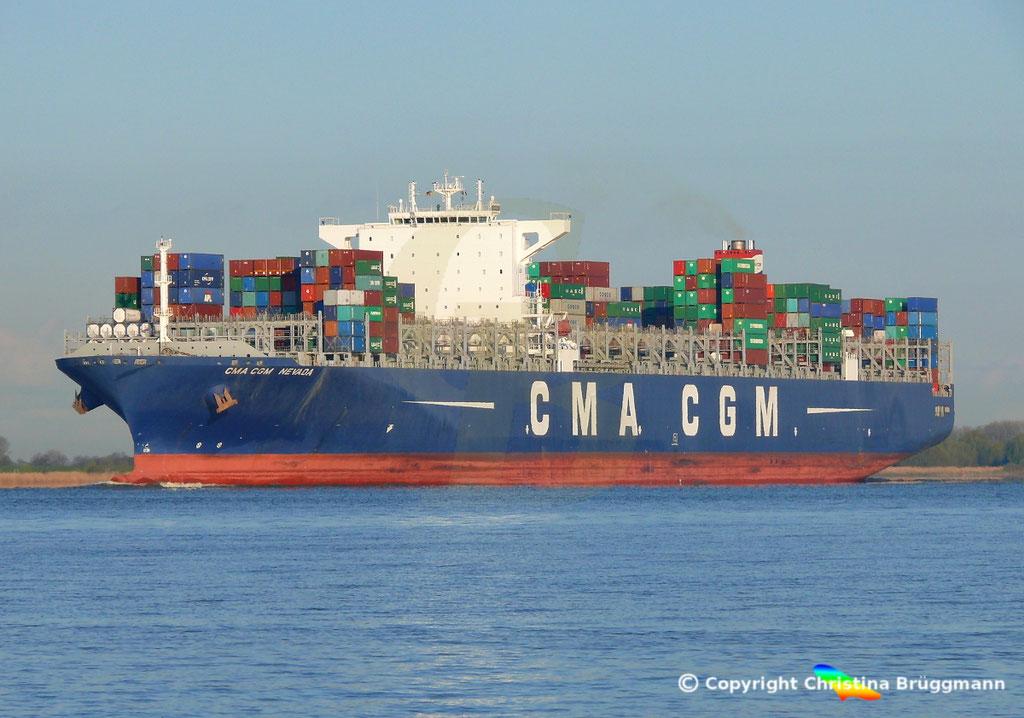 Containerschiff CMA CGM NEVADA, Elbe 19.04.2017, BILD 2