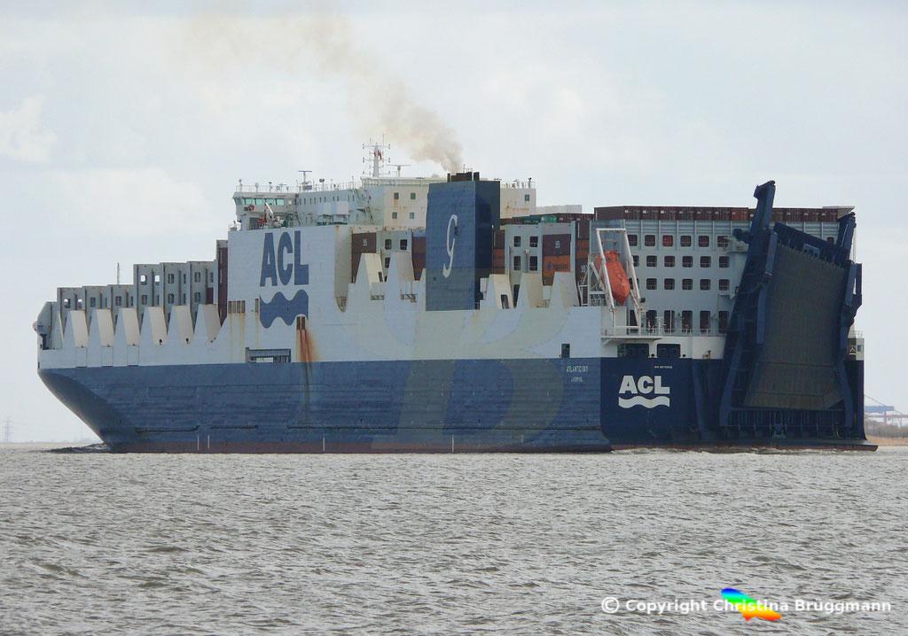 Con-Ro Frachter ATLANTIC SKY; Elbe 19.03.2019,  BILD 8