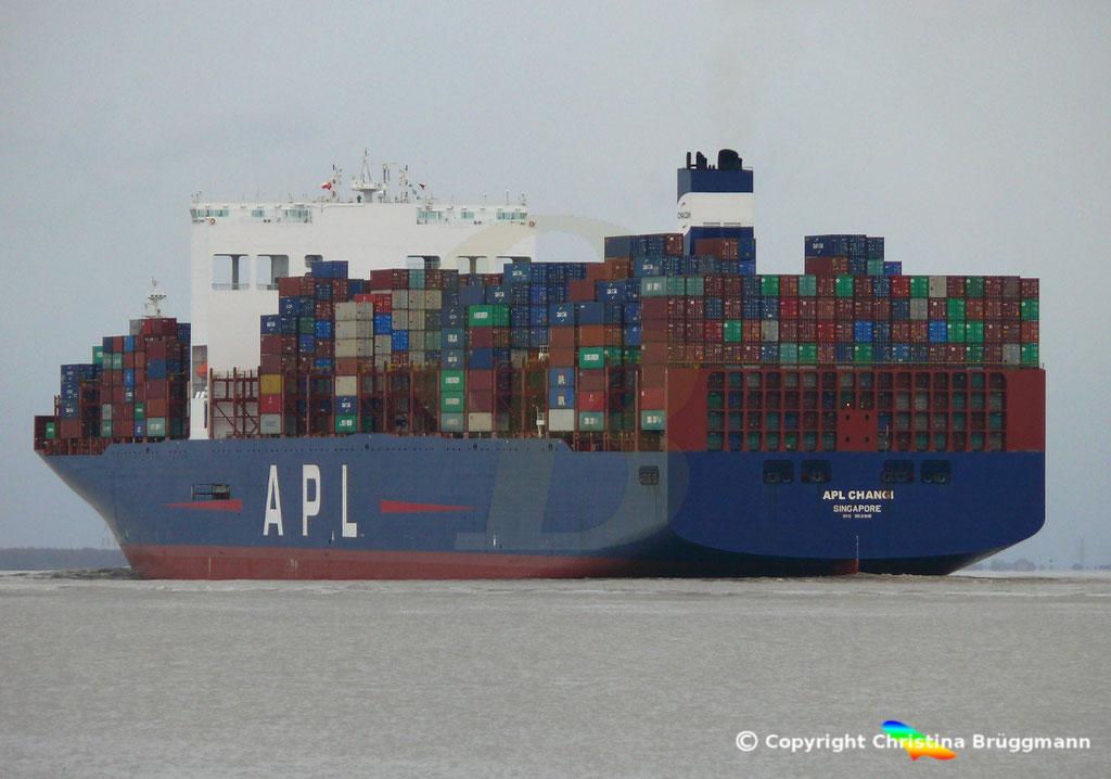 Containerschiff APL CHANGI, nach Verlängerung, Elbe 10.03.2019,  BILD 8