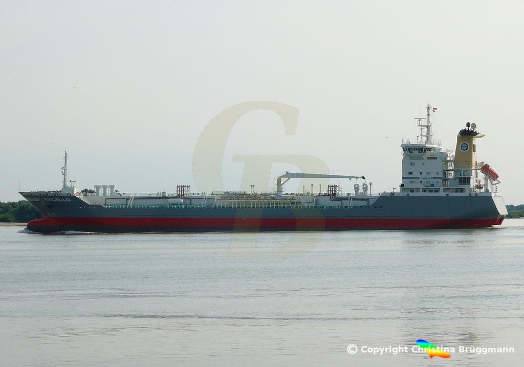 Öl- u. Chemietanker EXCELLO, Elbe 20.07.2018,  BILD 1