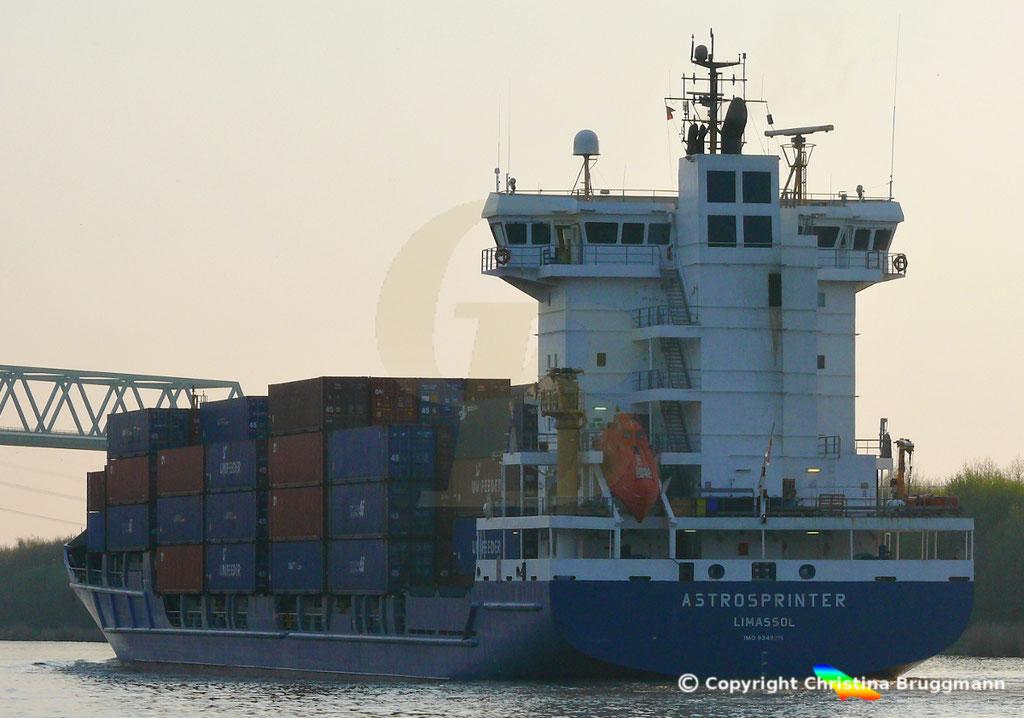 Containerschiff ASTROSPRINTER, NOK 07.04.2019,  BILD 5