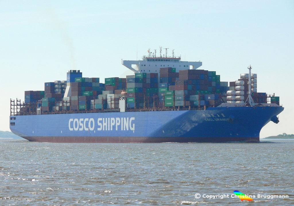 Containerschiff CSCL URANUS, Elbe 11.05.2017, BILD 2