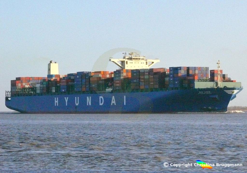 "Containerschiff  ""HYUNDAI SMART""  Elbe  09.02.2015, BILD 3"