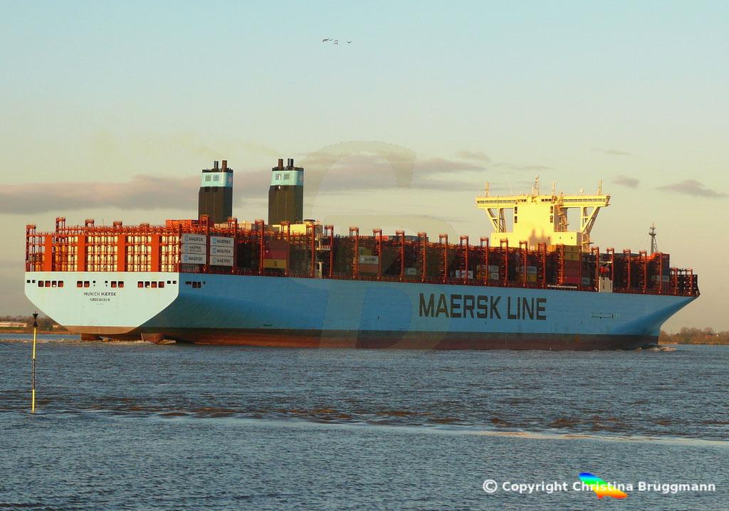 Containerschiff MUNICH MAERSK, Elbe 30.10.2017, BILD 5