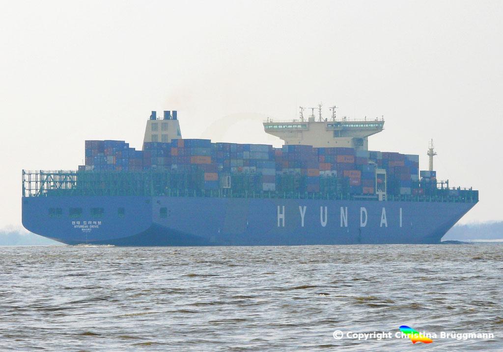 "Containerschiff ""HYUNDAI DRIVE"", Elbe 23.03.2015, BILD 5"