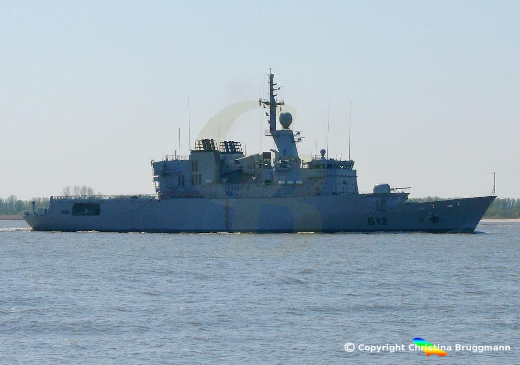 Marokkanische Fregatte HASSAN II (F-612), Elbe 15.04.2019,  BILD 3