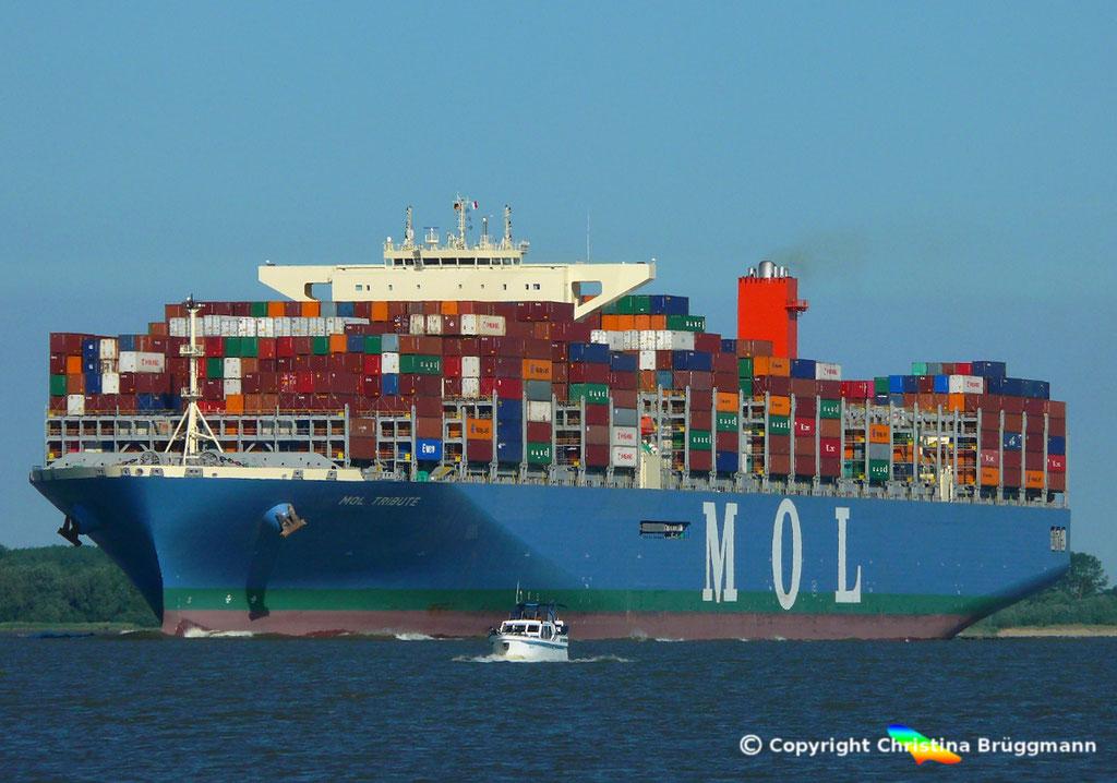 Containerschiff MOL TRIBUTE, Elbe 06.06.2018, BILD 1