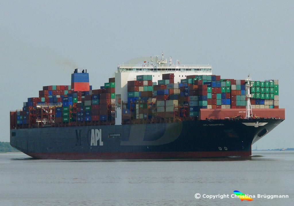 Containerschiff APL SINGAPURA, Elbe 20.07.2018,  BILD 2