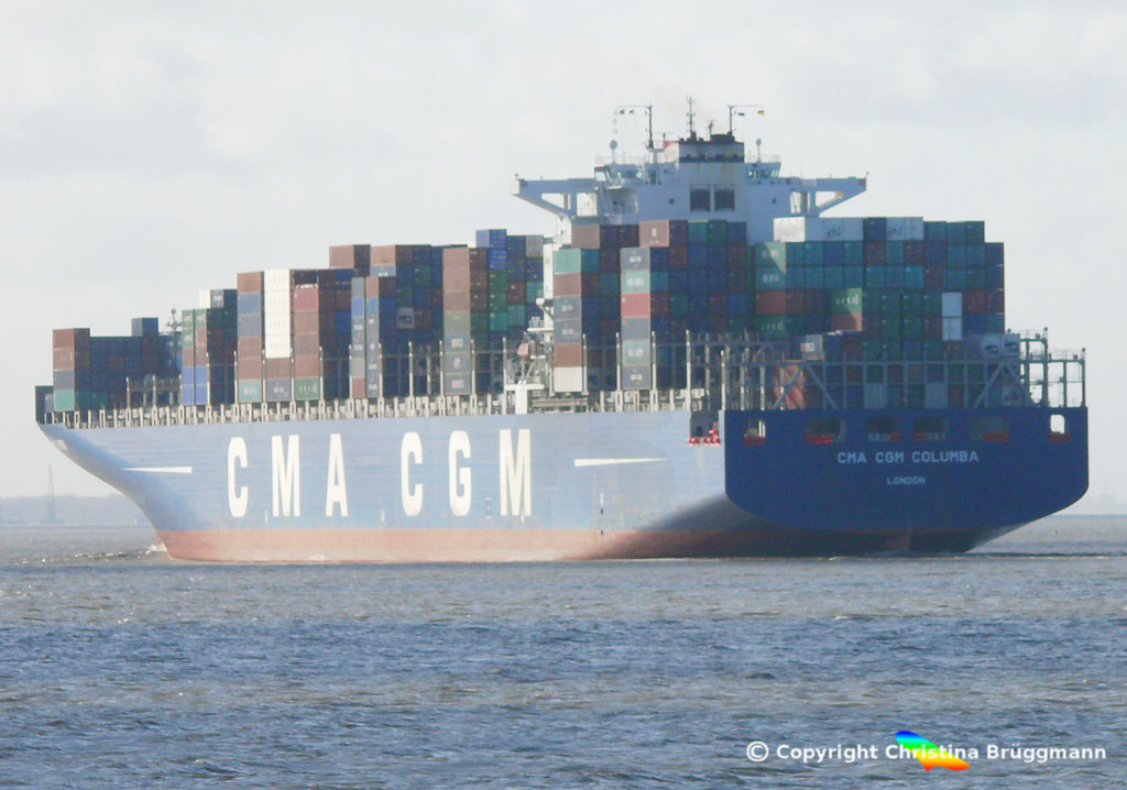 "Containerschiff ""CMA CGM COLUMBA"" Elbe 13.04.2015, BILD 7"