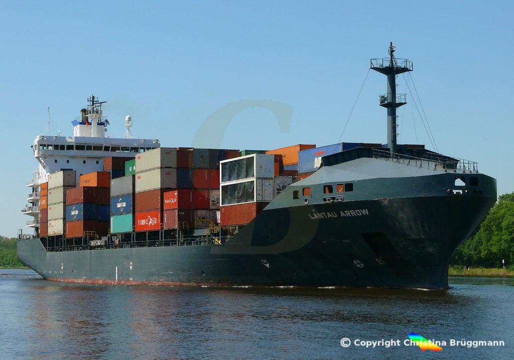 Containerschiff LANTAU ARROW, Nord-Ostsee Kanal 09.05.2018,  BILD 2