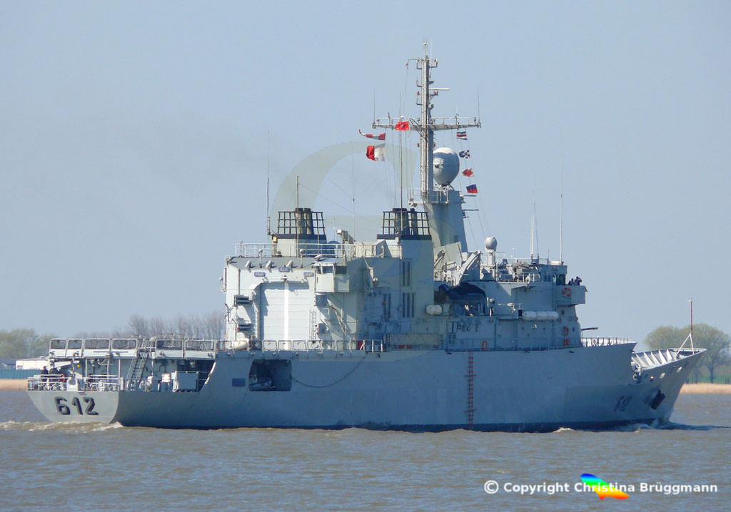 Marokkanische Fregatte HASSAN II (F-612), Elbe 15.04.2019,  BILD 6