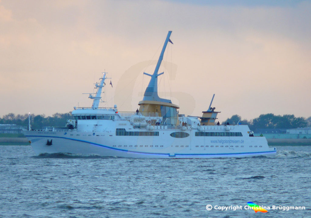 Seebäderschiff HELGOLAND, Elbe 05.05.2019 / BILD 1
