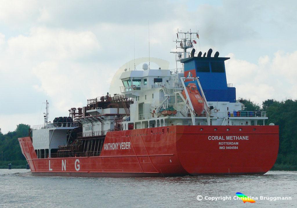 LNG tanker CORAL METHANE, Nord-Ostsee Kanal 14.08.2018,  BILD 5